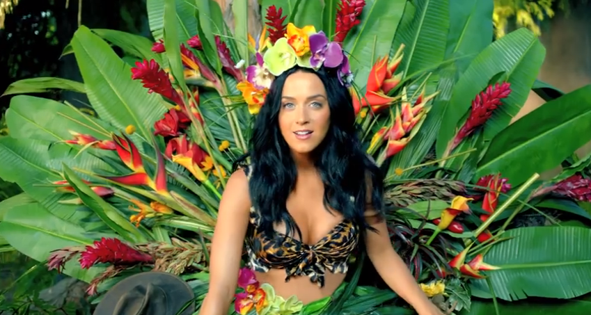 "Katy Perry ""Roar"" Music Video"