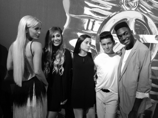 Gigi Gorgeous, Sarah Baska, Dana, Anthony Quintal, and Rickey Thompson on the red carpet at the 2015 MTV Video Music Awards
